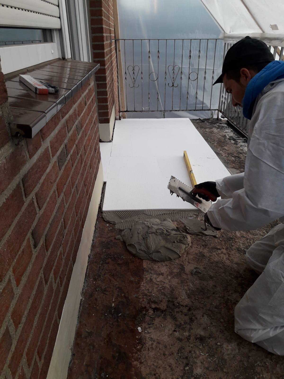 Balkonsanierung im Winter – Zemetfaserplatten statt Betonestrich für schnellere Trocknungszeiten!