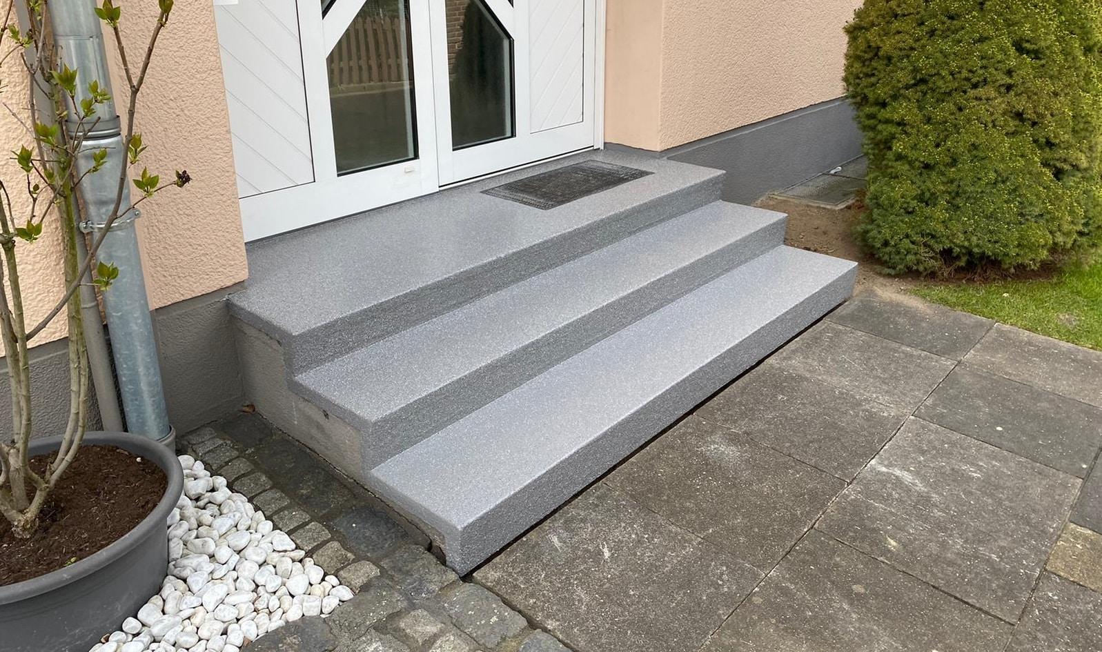 """Eye-Catcher"" an der Hausfront – Treppensanierung in Krefeld-Gartenstadt"